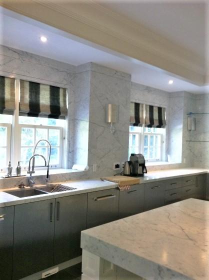 Kitchen Velvet Black Bianco Carrara Marble Trend