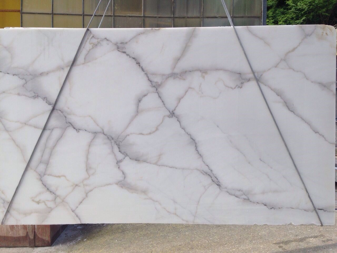Calacatta Lincoln Slabs Marble Trend