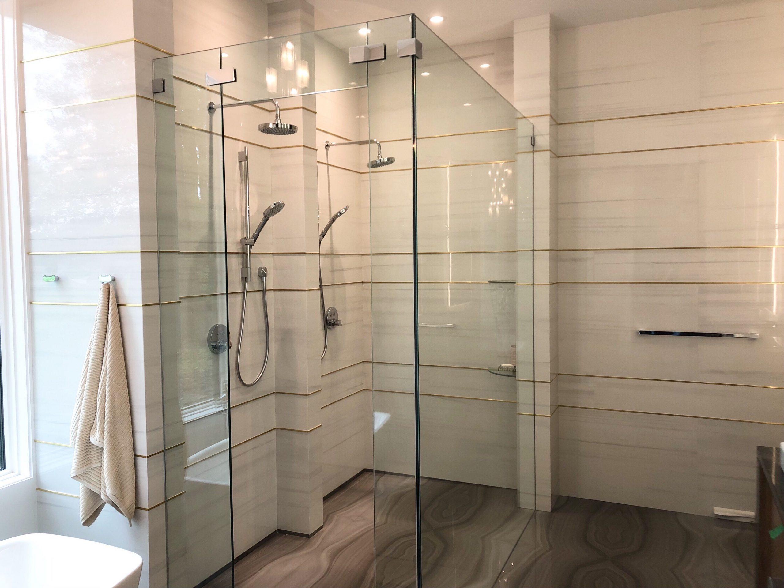 Shower - Bianco Lasa | Flooring - Absolute Deep