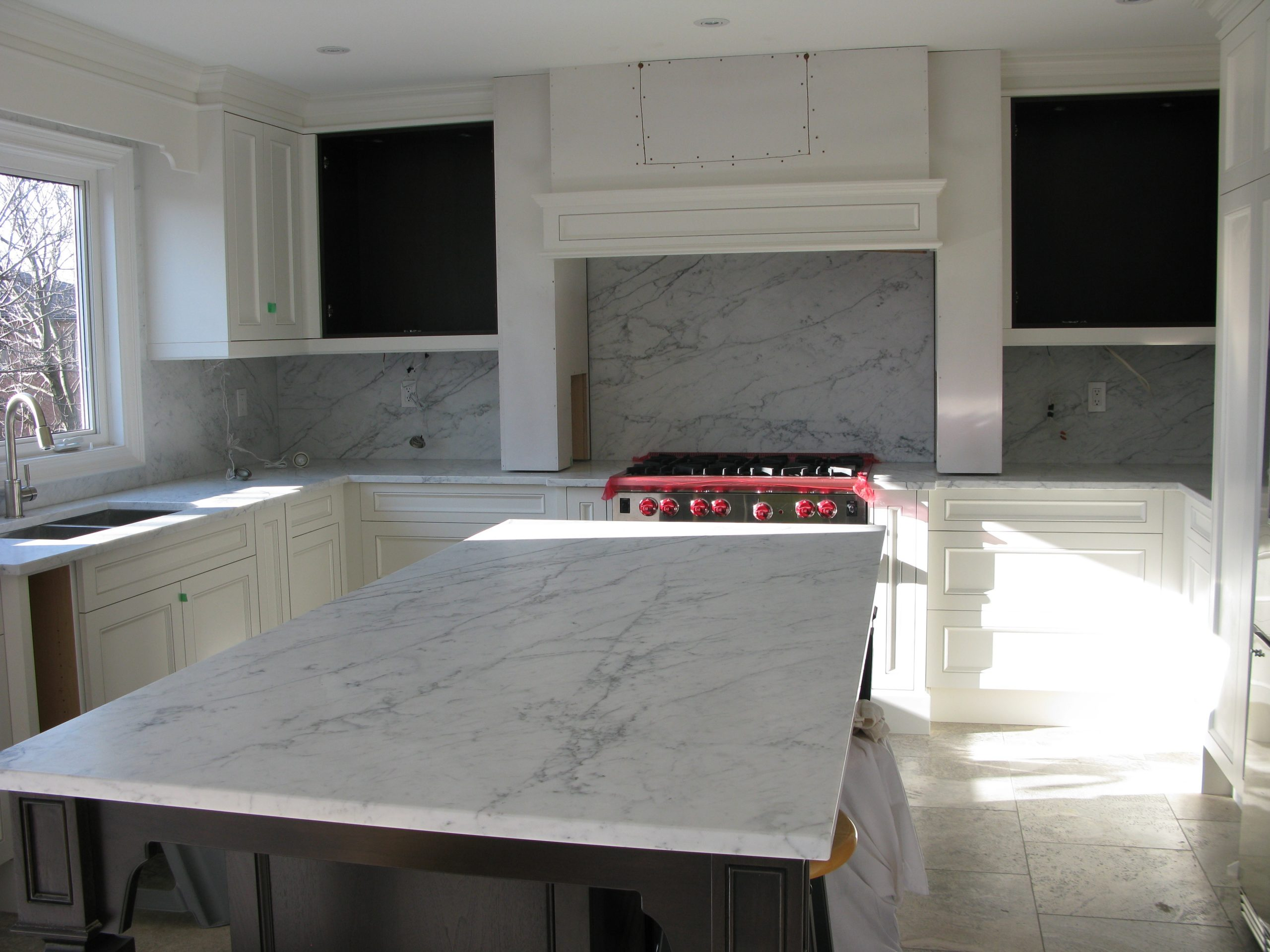 Backsplash & Island - Bianco Carrara C