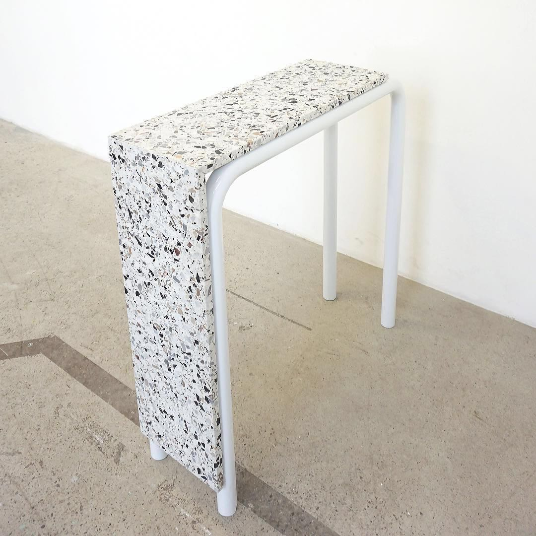 VAIN Table - New Rose Studio