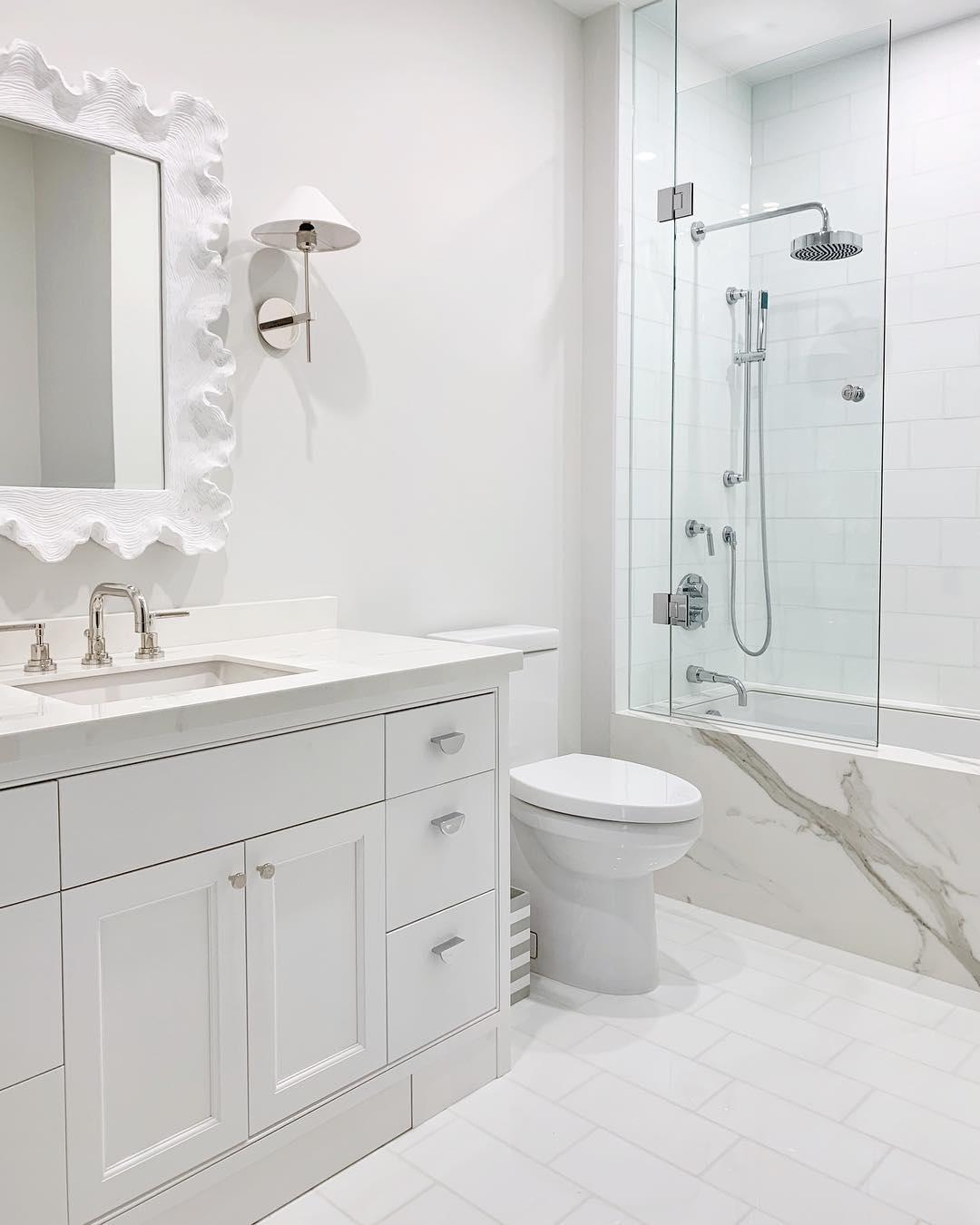 Bathroom: Neolith Estatuario E05