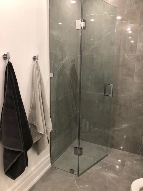 Gris De Savoie Shower