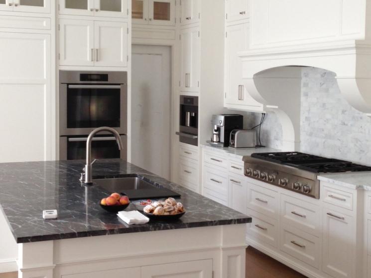 Kitchen - Bianco Carrara, Grigio Carnico 1