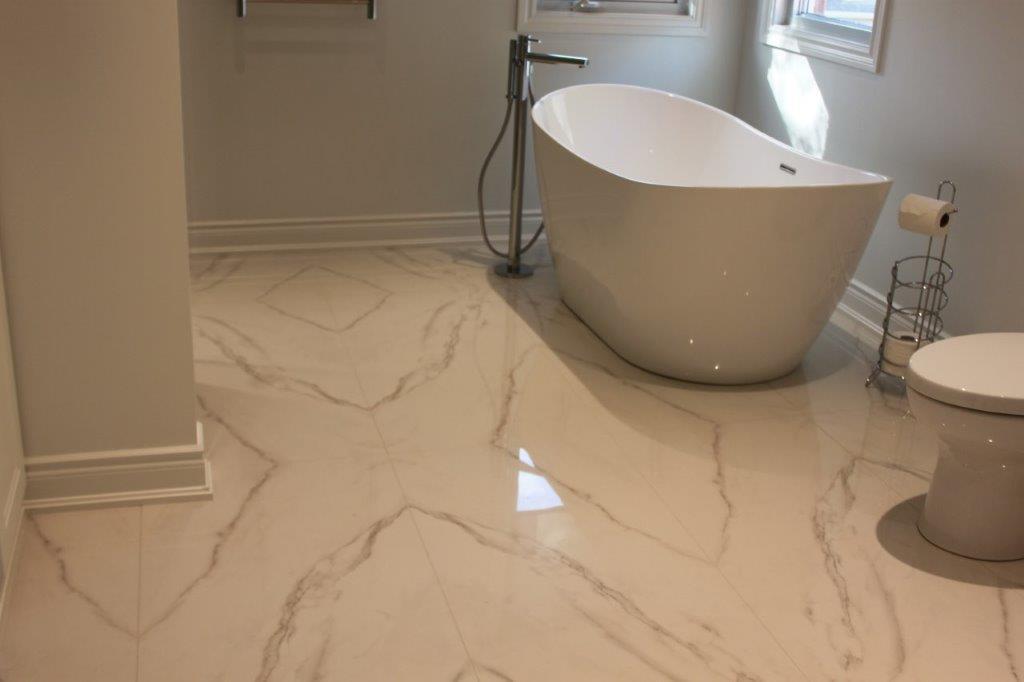 Diamond Matched floor: Motif Extra Calacatta Silver