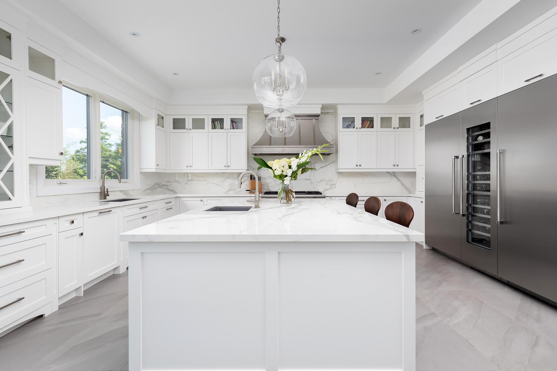 Floor - Paralello Grey | Kitchen - Estatuario E05