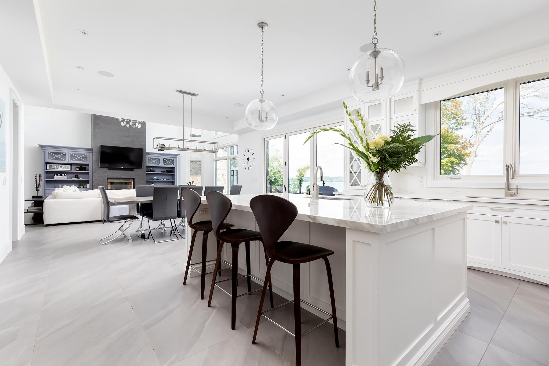 Floor - Paralello Grey | Kitchen - Estatuario E05 | Fireplace - Iron Grey