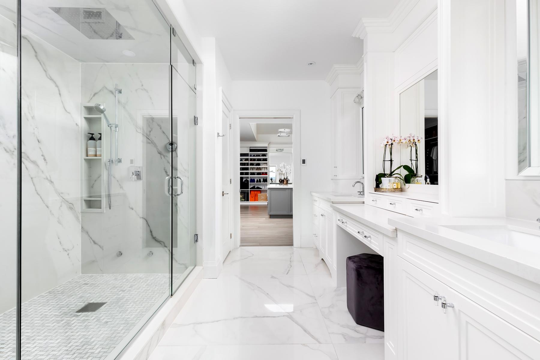 Shower - Motif Extra Calacatta Silver | Floor - Infinity Statuario | Shower Floor - Bianco Carrra Basketweave Mosaic