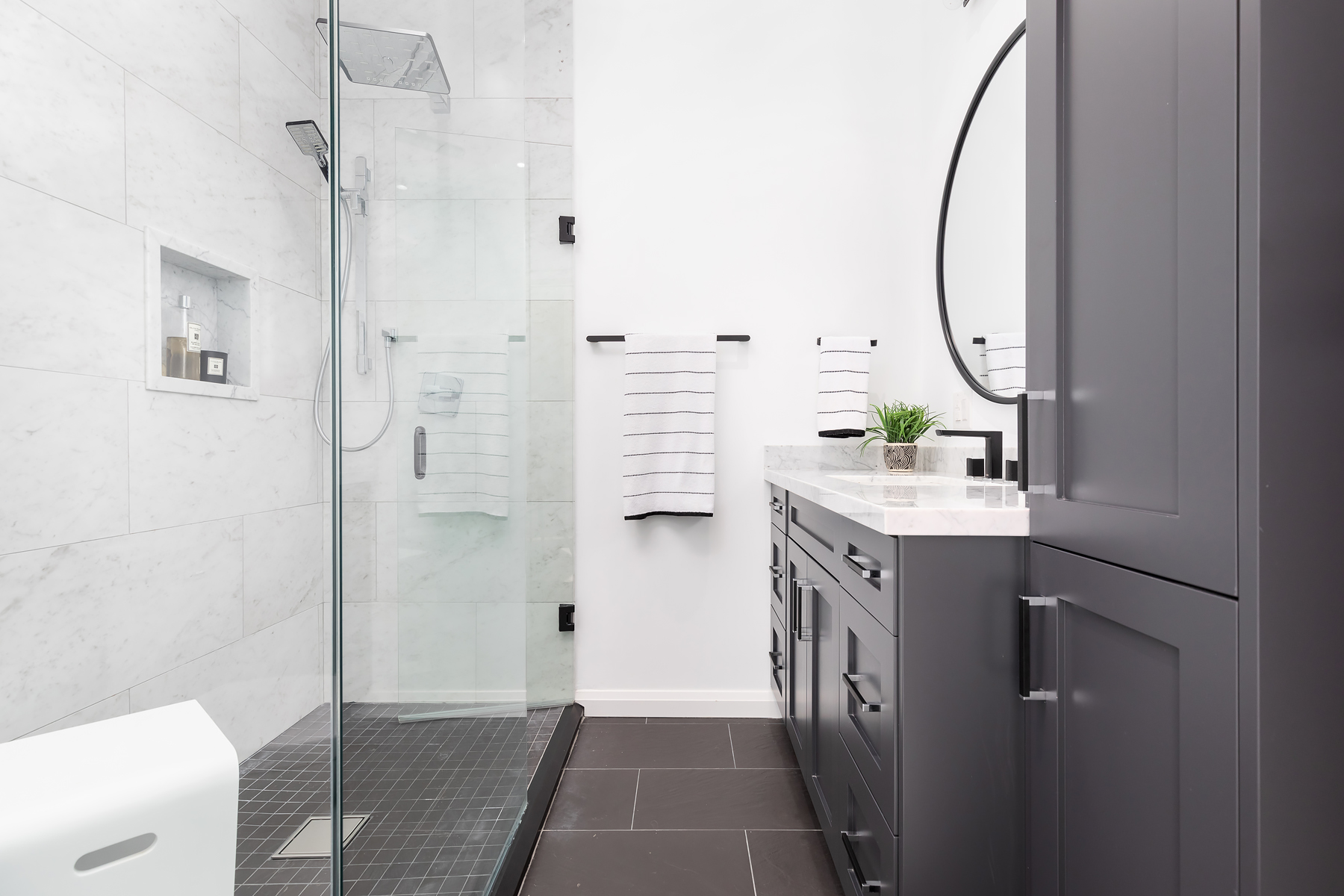 Shower Walls - Blustyle Carrara